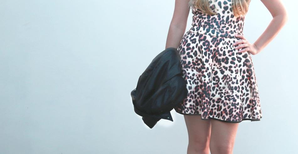 IMG 02741 - Look da Vez: Vestido Animal Print e Botinha